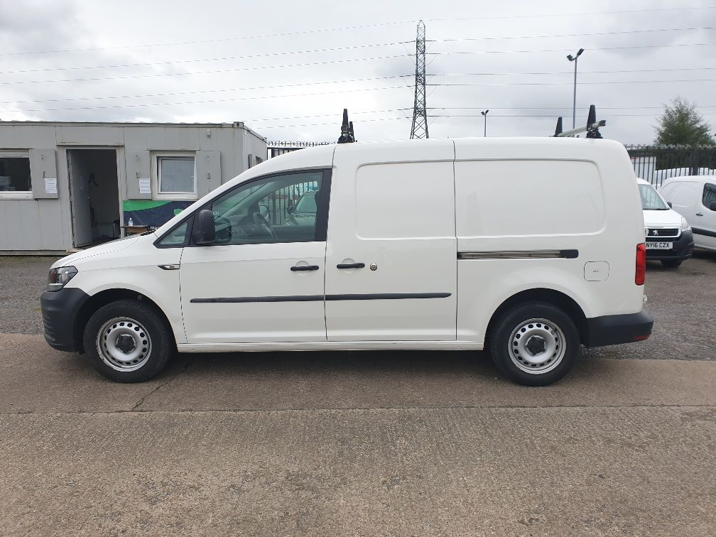 2017 Volkswagen Caddy Maxi 2.0 TDI BLUEMOTION TECH 102PS STARTLINE EURO 6 *SPEED RESTRICTED TO 70MPH* (GK17VCU) Image 4
