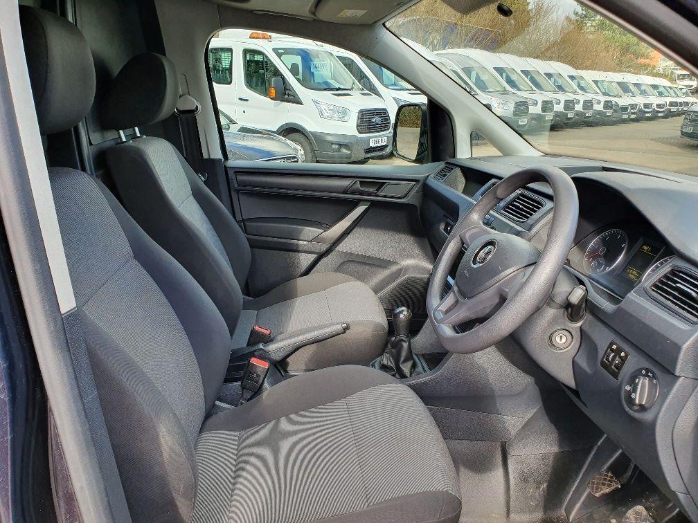 2017 Volkswagen Caddy 2.0 Tdi Bluemotion Tech 102Ps Startline Van (GK17XPM) Image 5
