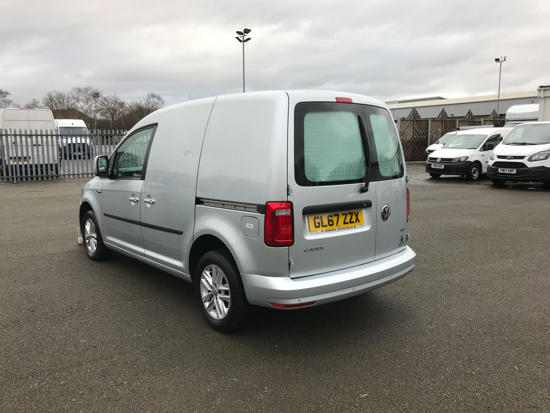 2017 Volkswagen Caddy 2.0 102PS BLUEMOTION TECH 102 HIGHLINE EURO 6 (GL67ZZX) Image 6