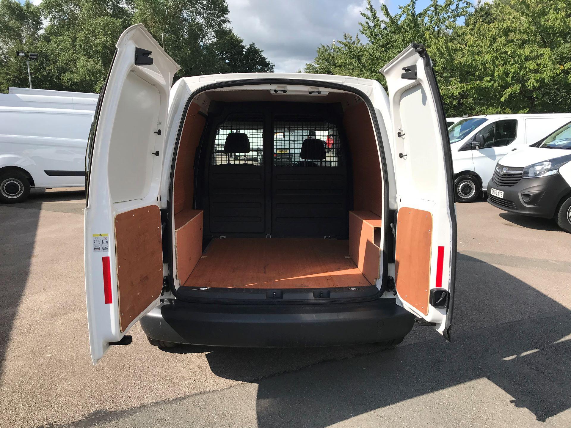 2015 Volkswagen Caddy 1.6 Tdi 75Ps Startline Van Euro 5 (GM15ZXL) Image 10
