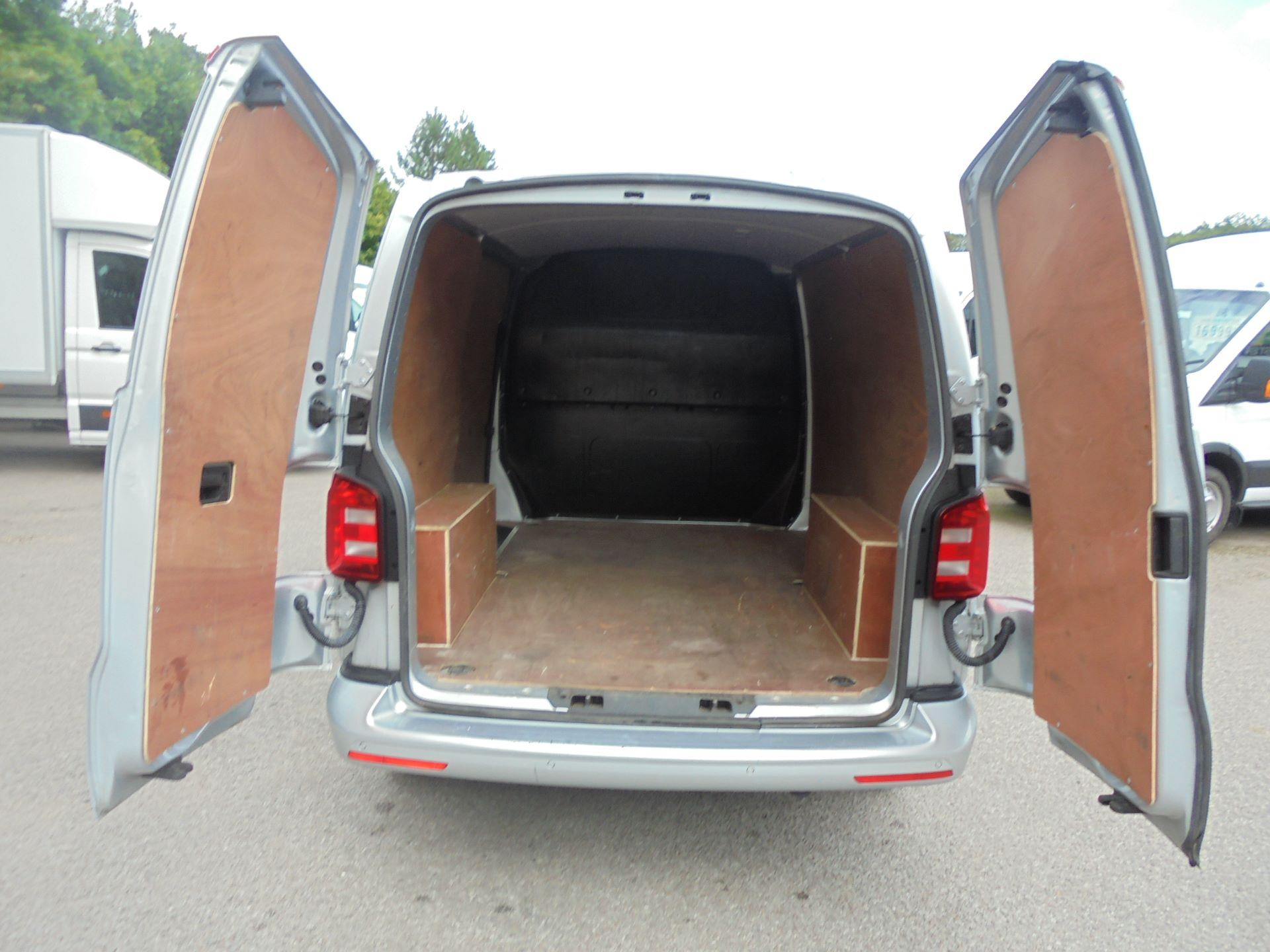 2019 Volkswagen Transporter 2.0 Tdi Bmt 150 Highline Van (GX19ZWN) Image 10