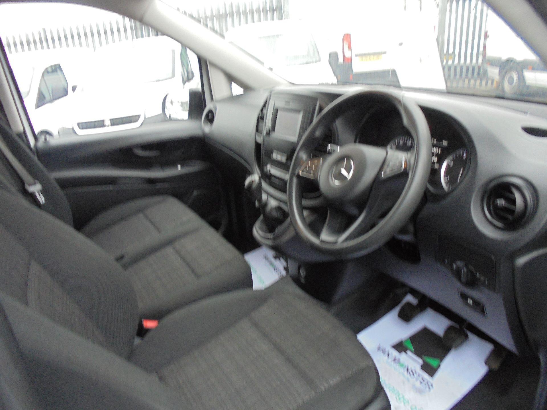 2017 Mercedes-Benz Vito 111Cdi Van (KK17KFE) Image 7