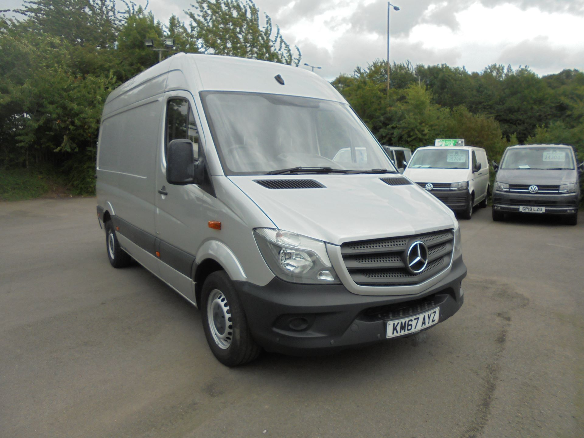 2017 Mercedes-Benz Sprinter 3.5T Blue efficiency High Roof Van Medium (KM67AYZ)