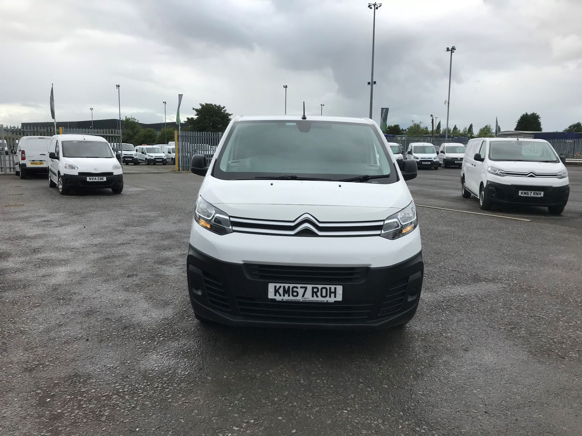 2018 Citroen Dispatch 1200 1.6 Bluehdi 95 Van Enterprise (KM67ROH)