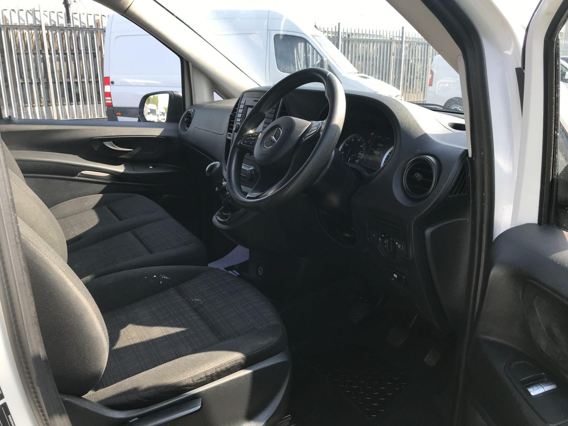 2017 Mercedes-Benz Vito 111CDI LWB 110PS EURO 6 (KN67UVX) Image 17