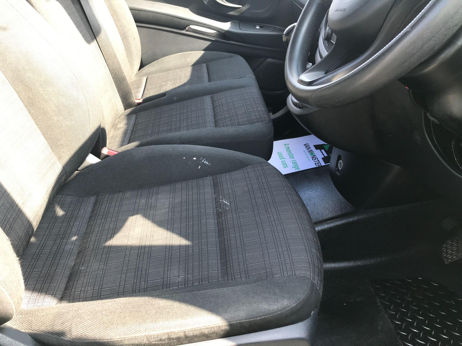 2017 Mercedes-Benz Vito 111CDI LWB 110PS EURO 6 (KN67UVX) Image 10