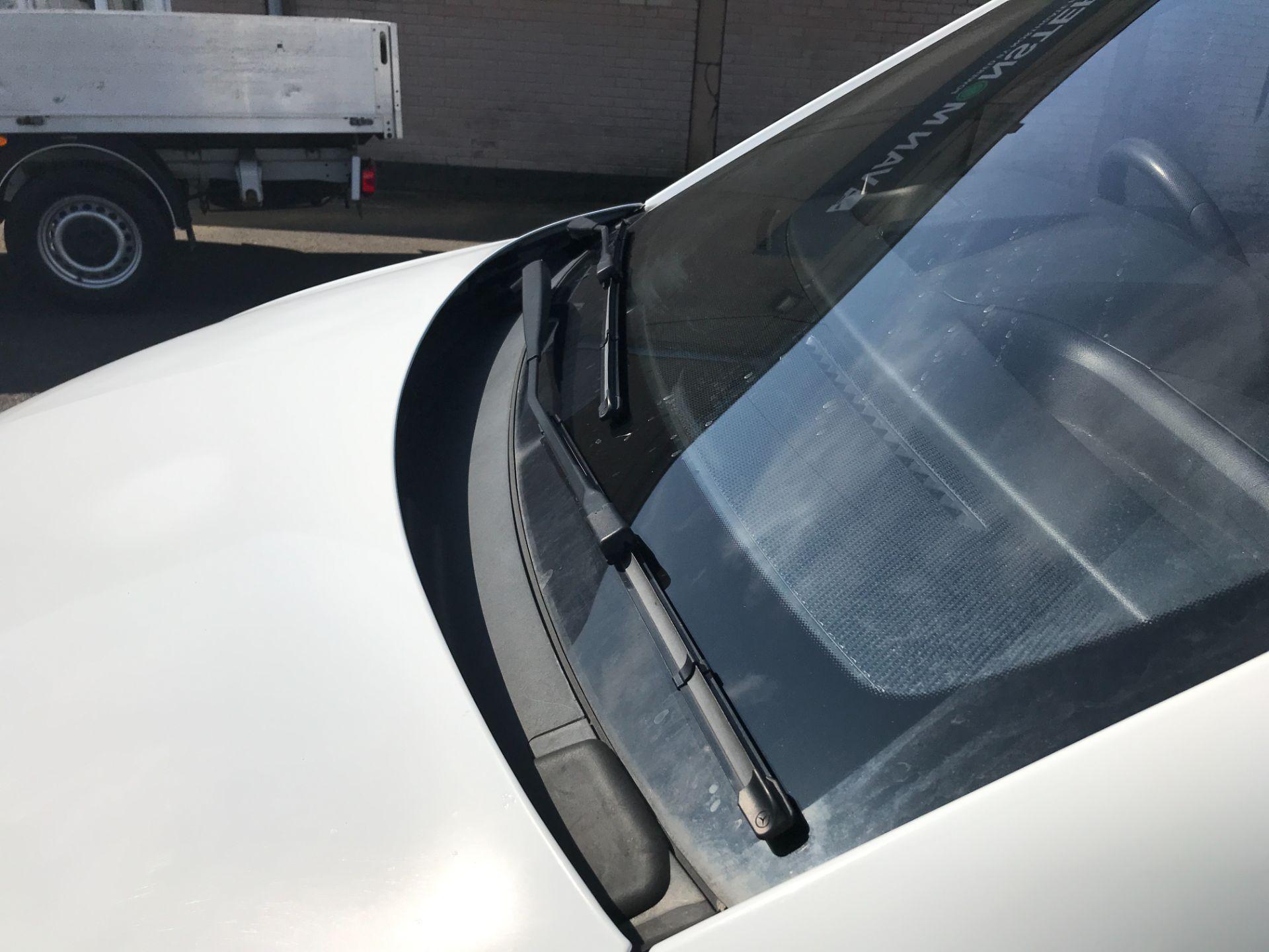 2017 Mercedes-Benz Vito 111CDI LWB 110PS EURO 6 (KN67UVX) Image 30