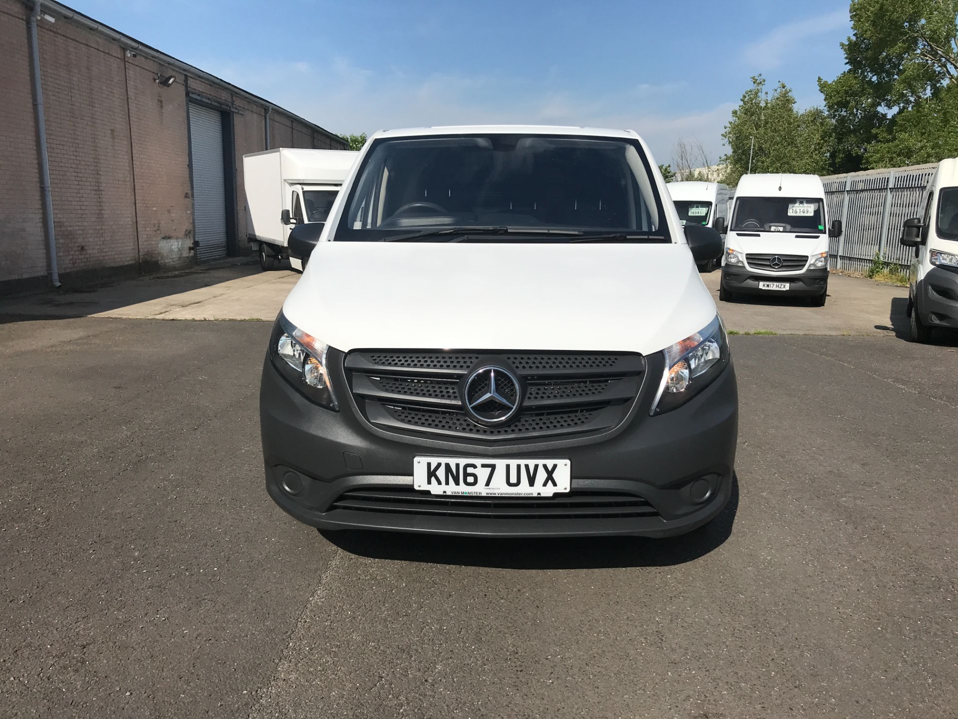 2017 Mercedes-Benz Vito 111CDI LWB 110PS EURO 6 (KN67UVX) Image 19