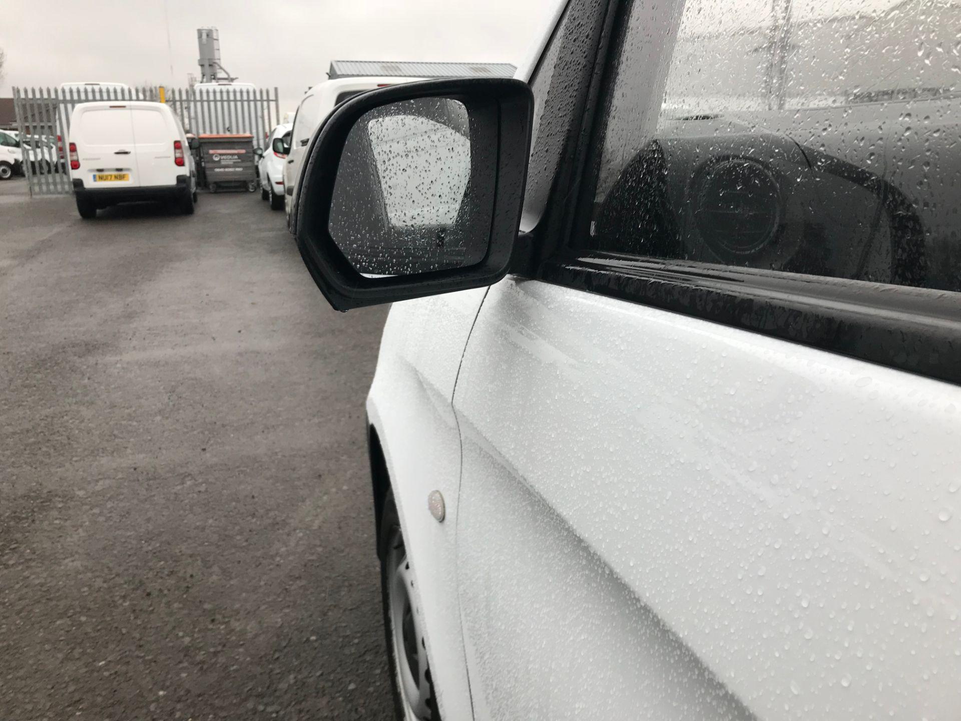 2017 Mercedes-Benz Vito 111Cdi Van (KN67UXC) Image 14