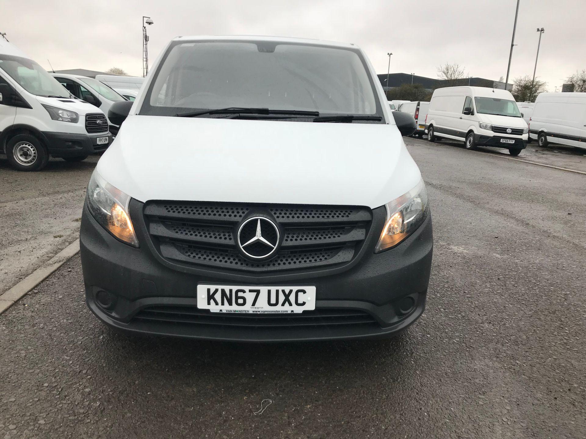 2017 Mercedes-Benz Vito 111Cdi Van (KN67UXC) Image 2