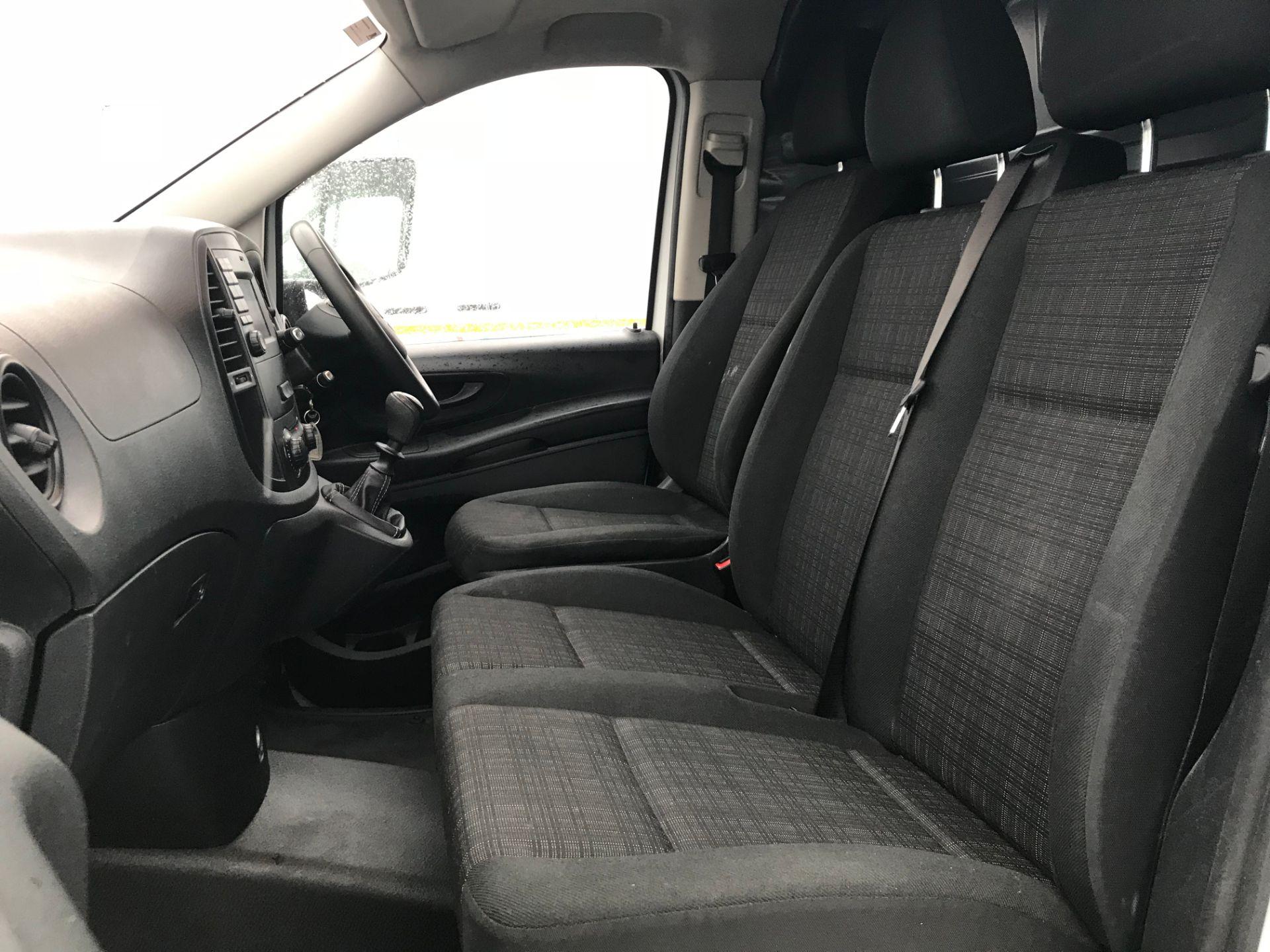 2017 Mercedes-Benz Vito 111Cdi Van (KN67UXC) Image 15