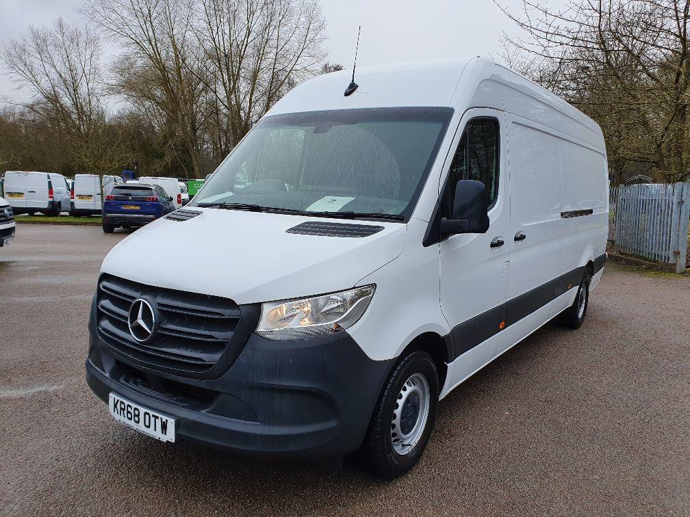 2018 Mercedes-Benz Sprinter 3.5T H2 Van (KR68OTW) Image 3