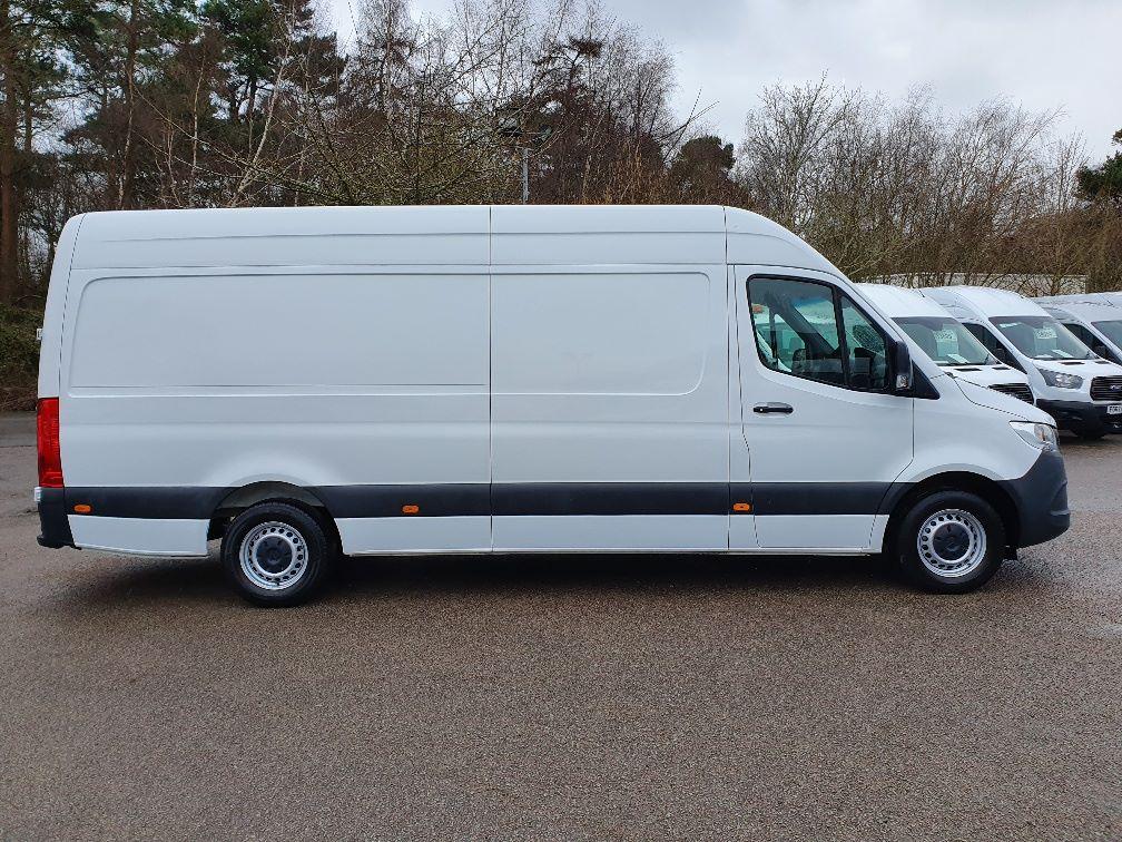 2018 Mercedes-Benz Sprinter 3.5T H2 Van (KR68OTW) Image 4