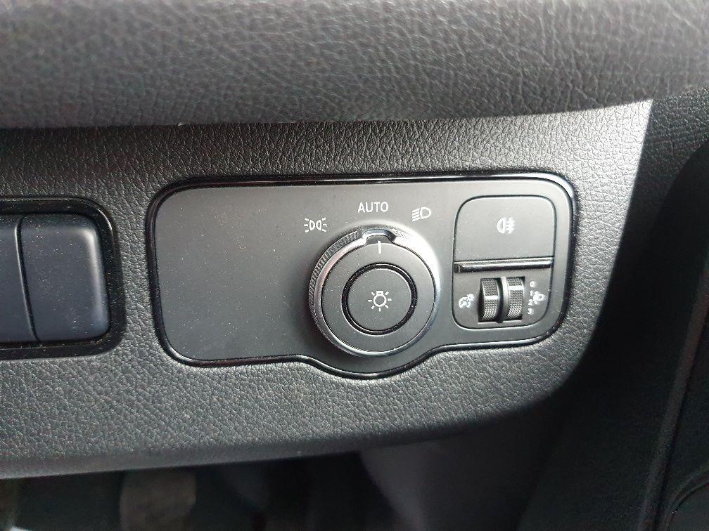 2018 Mercedes-Benz Sprinter 3.5T H2 Van (KR68OTW) Image 21