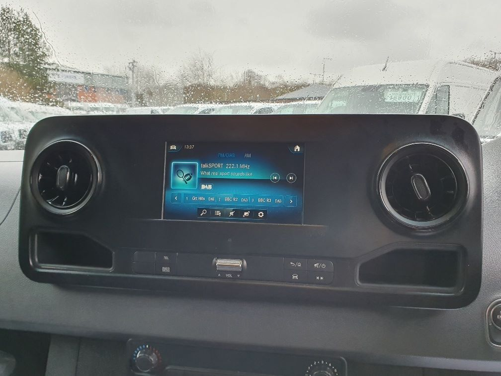 2018 Mercedes-Benz Sprinter 3.5T H2 Van (KR68OTW) Image 6