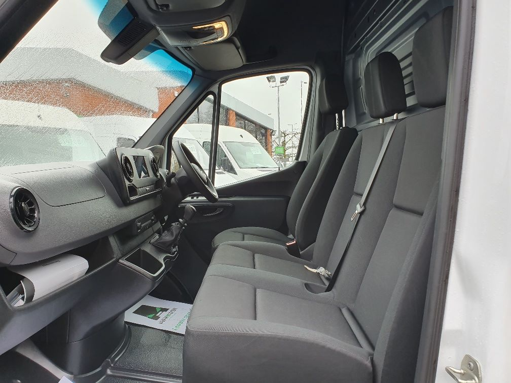 2018 Mercedes-Benz Sprinter 3.5T H2 Van (KR68OTW) Image 16