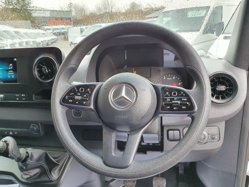 2018 Mercedes-Benz Sprinter 3.5T H2 Van (KR68OTW) Image 9