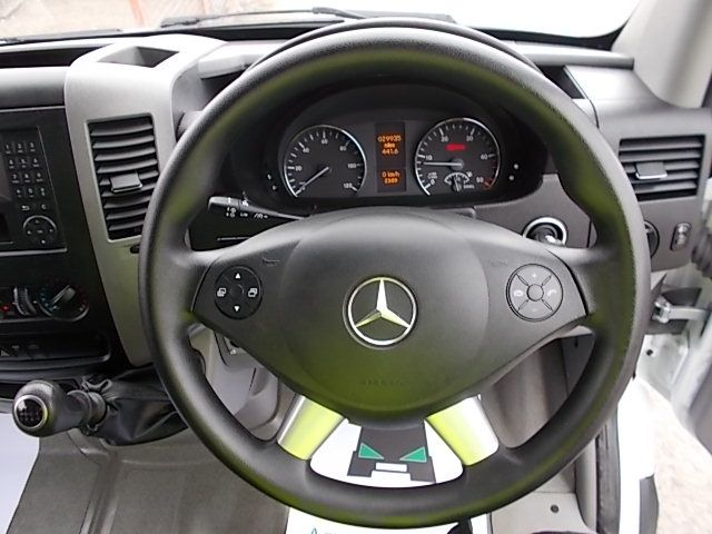2016 Mercedes-Benz Sprinter 3.5T High Roof Van (KS16VUP) Image 16