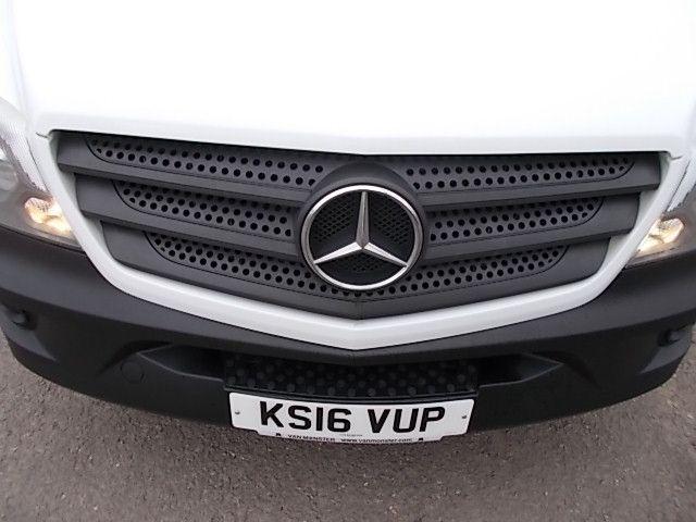 2016 Mercedes-Benz Sprinter 3.5T High Roof Van (KS16VUP) Image 25