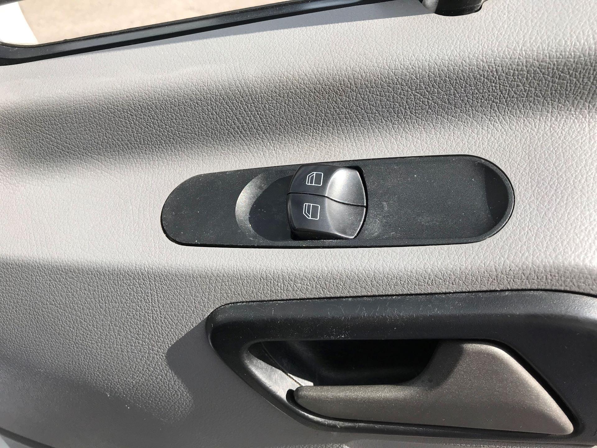 2016 Mercedes-Benz Sprinter 3.5T LWB LUTON 314 euro 5 (KV16WUU) Image 11