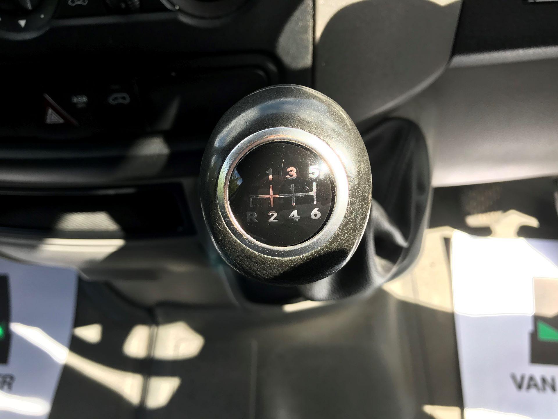 2016 Mercedes-Benz Sprinter 3.5T LWB LUTON 314 euro 5 (KV16WUU) Image 16