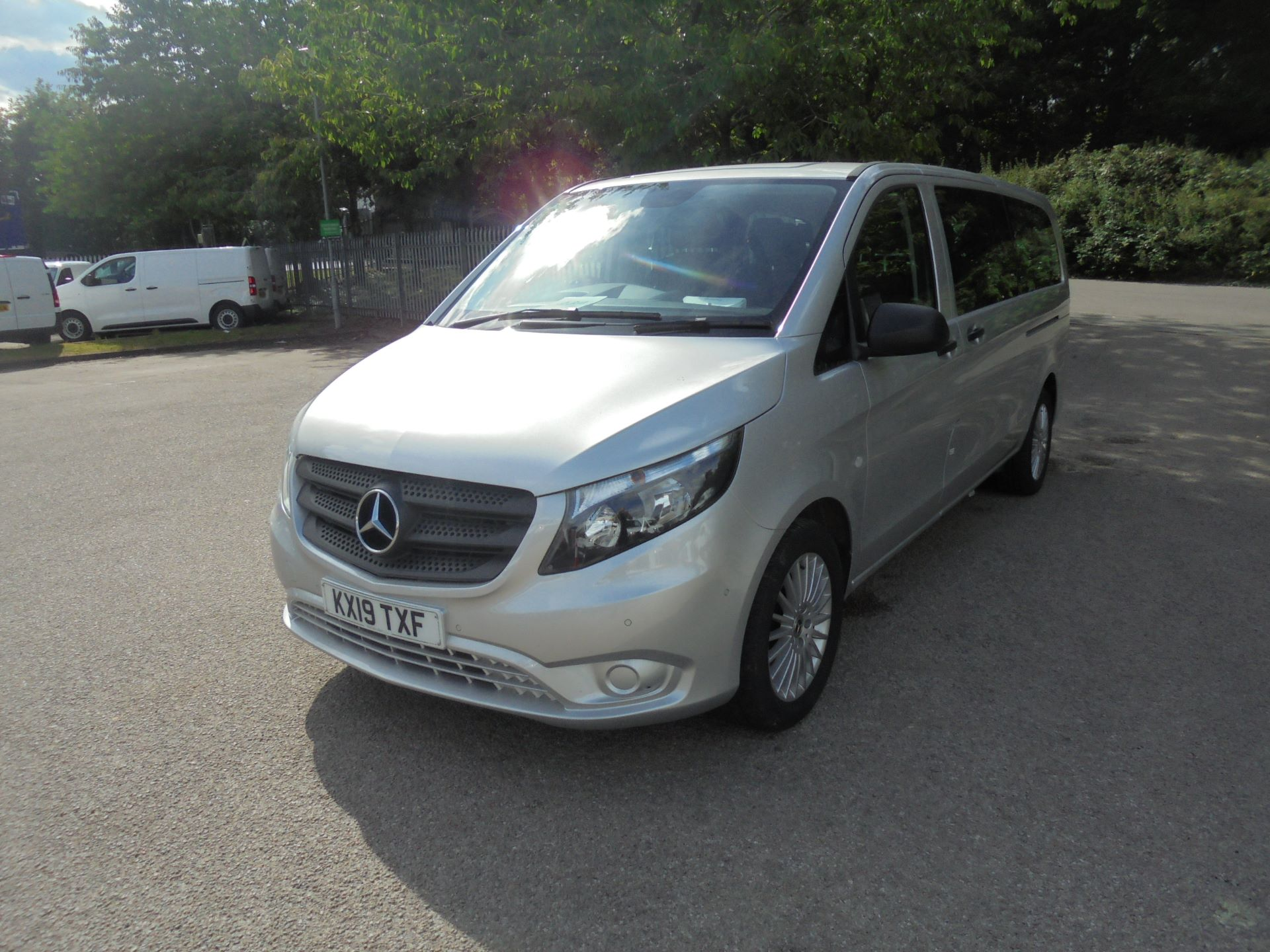 2019 Mercedes-Benz Vito 119 Bluetec Tourer Select auto (KX19TXF) Image 3