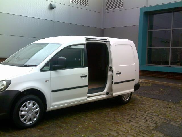 2014 Volkswagen Caddy Maxi 1.6 102PS STARTLINE EURO 5 (NL14XND) Image 14