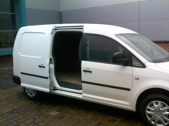 2014 Volkswagen Caddy Maxi 1.6 102PS STARTLINE EURO 5 (NL14XND) Image 13