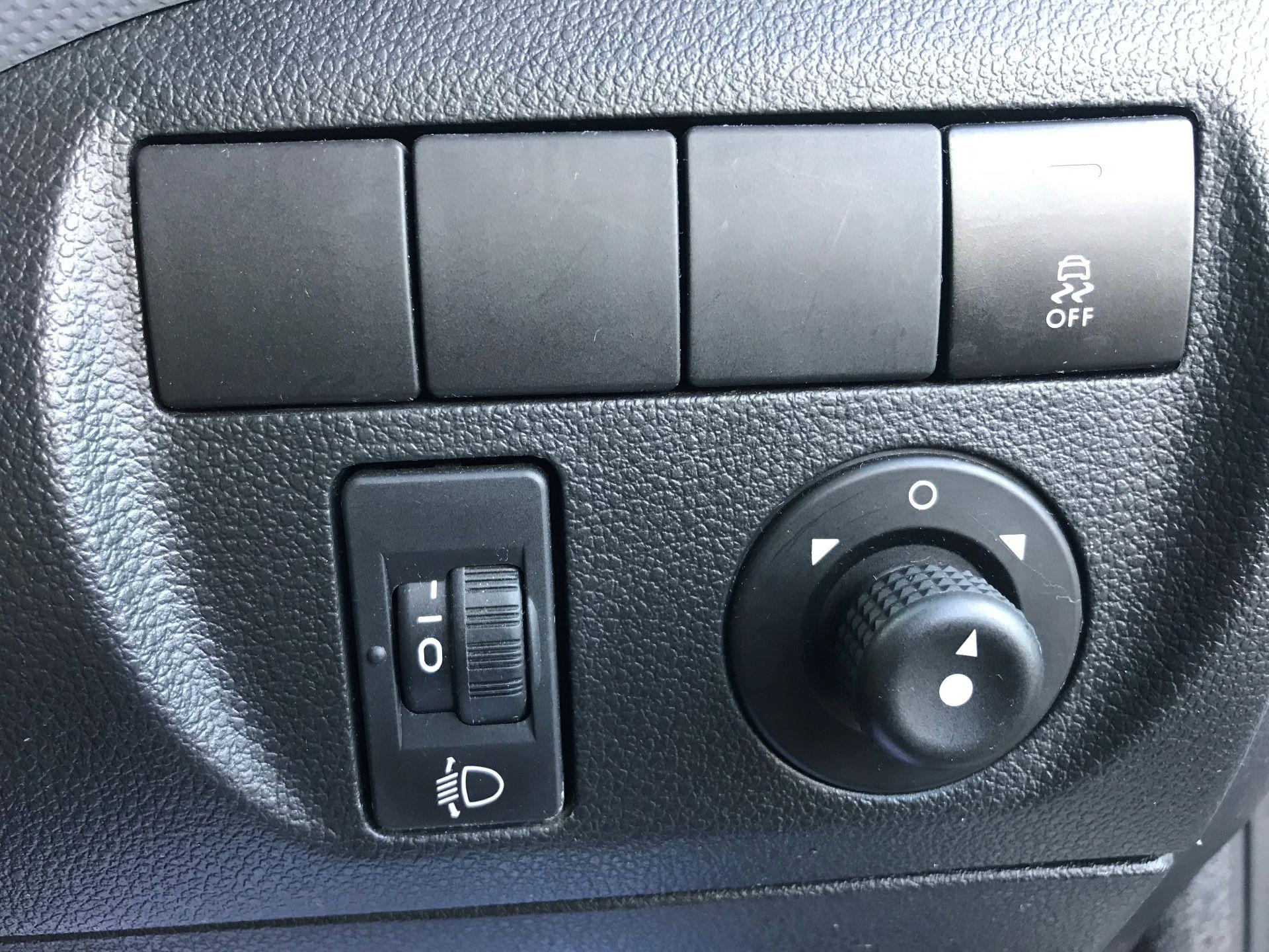 2014 Peugeot Partner L1 850 S 1.6 92PS (SLD) EURO 5 (NU64ZTB) Image 26