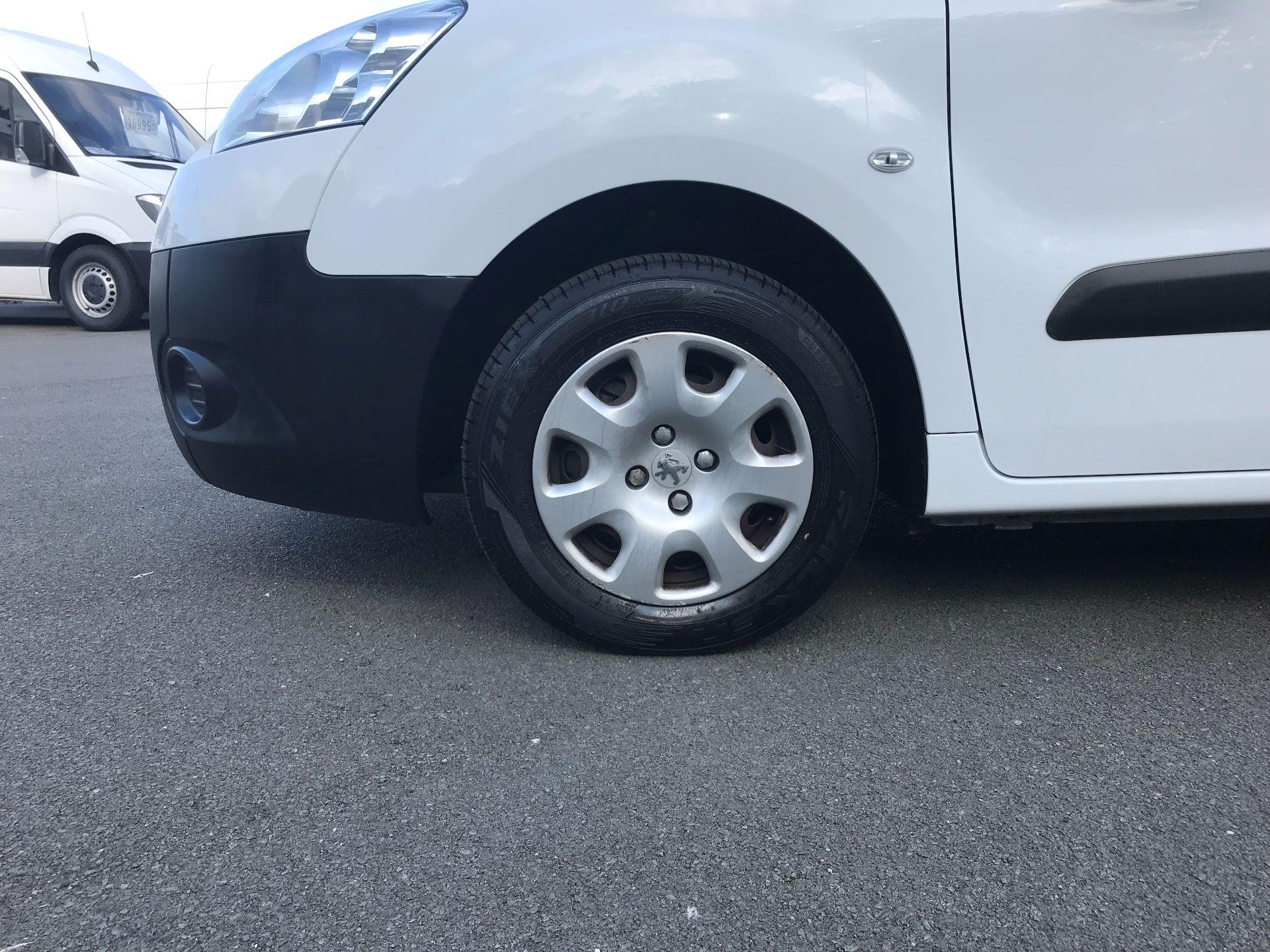 2014 Peugeot Partner L1 850 S 1.6 92PS (SLD) EURO 5 (NU64ZTB) Image 16