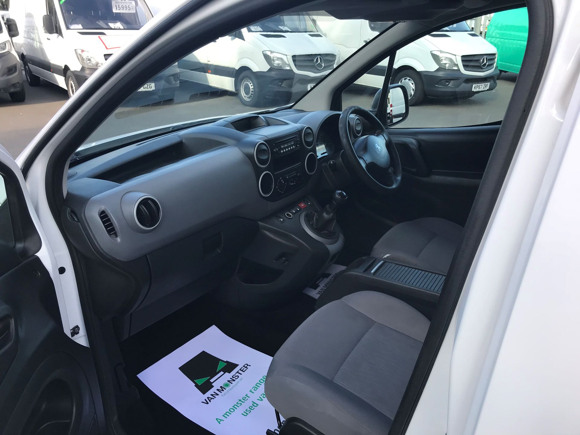 2014 Peugeot Partner L1 850 S 1.6 92PS (SLD) EURO 5 (NU64ZTB) Image 17