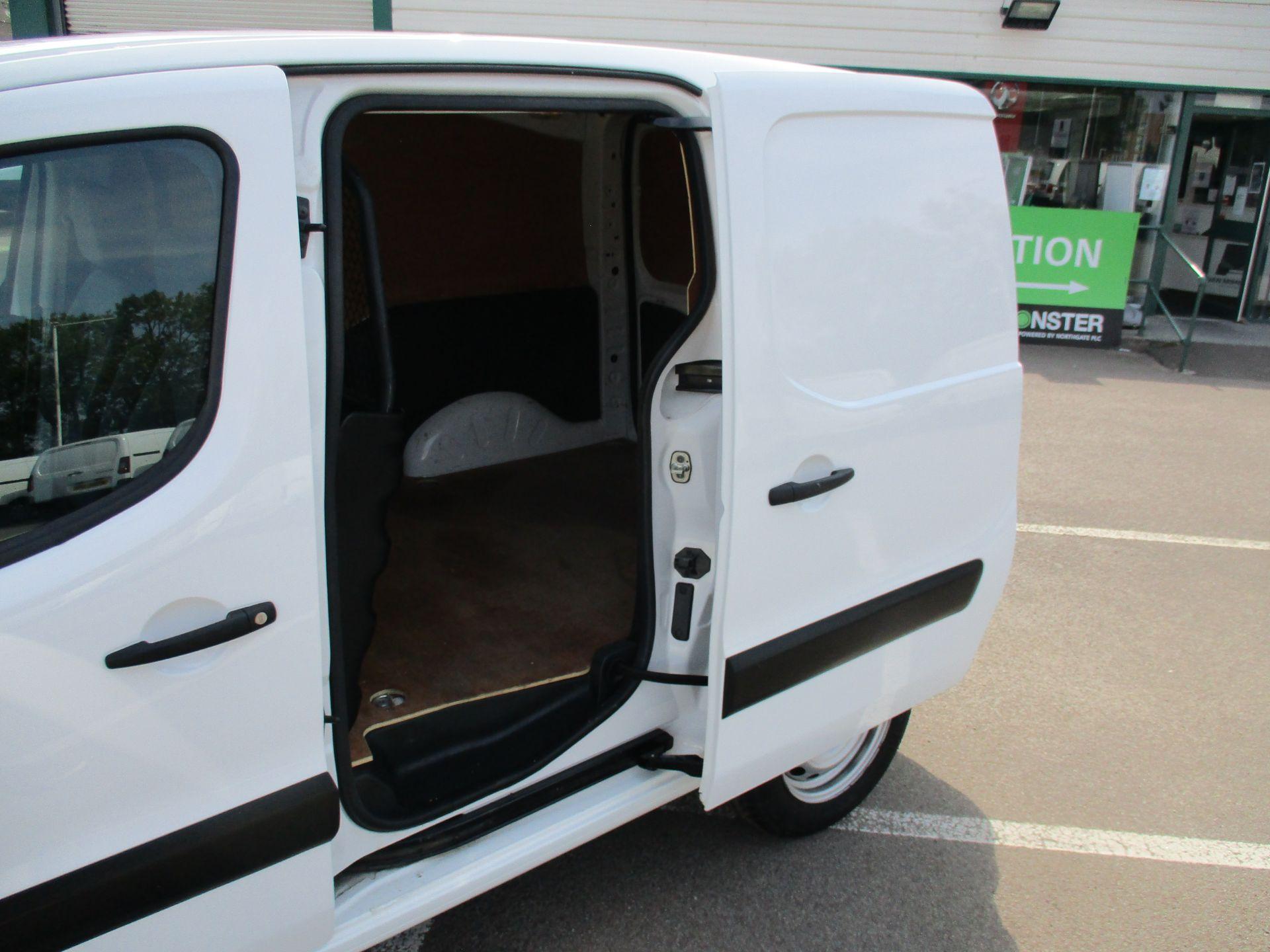 2016 Peugeot Partner 850 S 1.6 Hdi 92 Van [Sld] (NU66AVR) Image 8