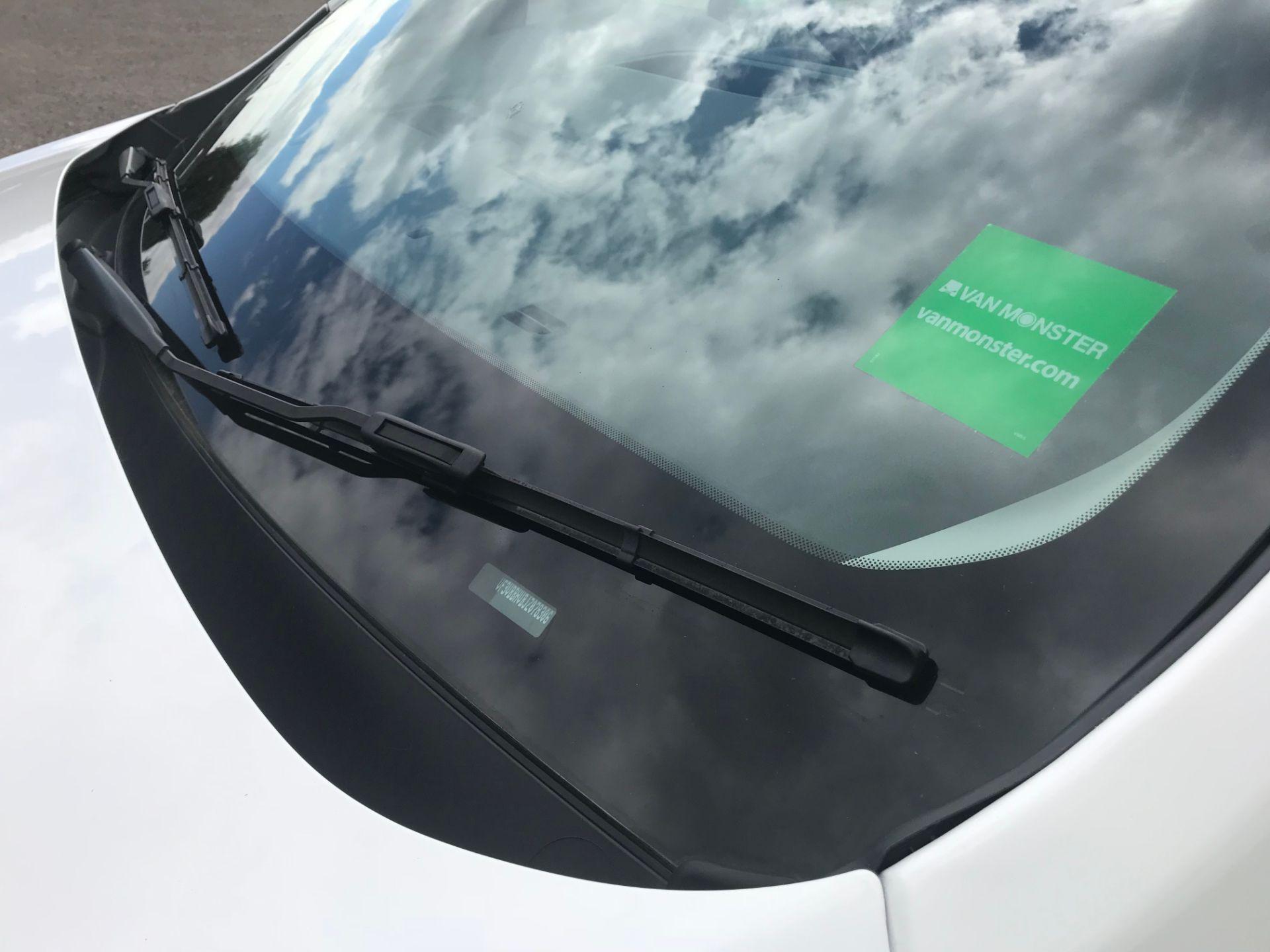 2018 Peugeot Expert 1000 1.6 Bluehdi 95 Professional Van (NU68HBJ) Image 20