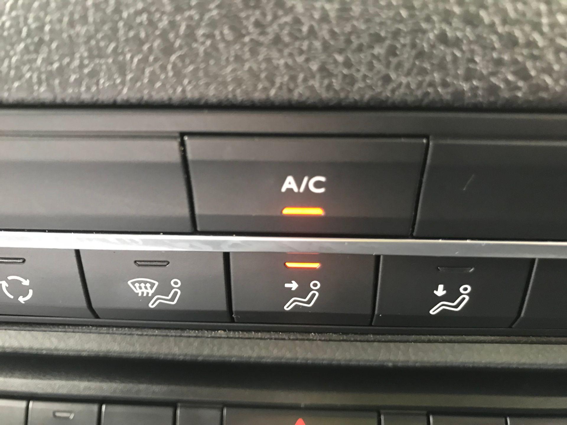 2018 Peugeot Expert 1000 1.6 Bluehdi 95 Professional Van (NU68HBJ) Image 34