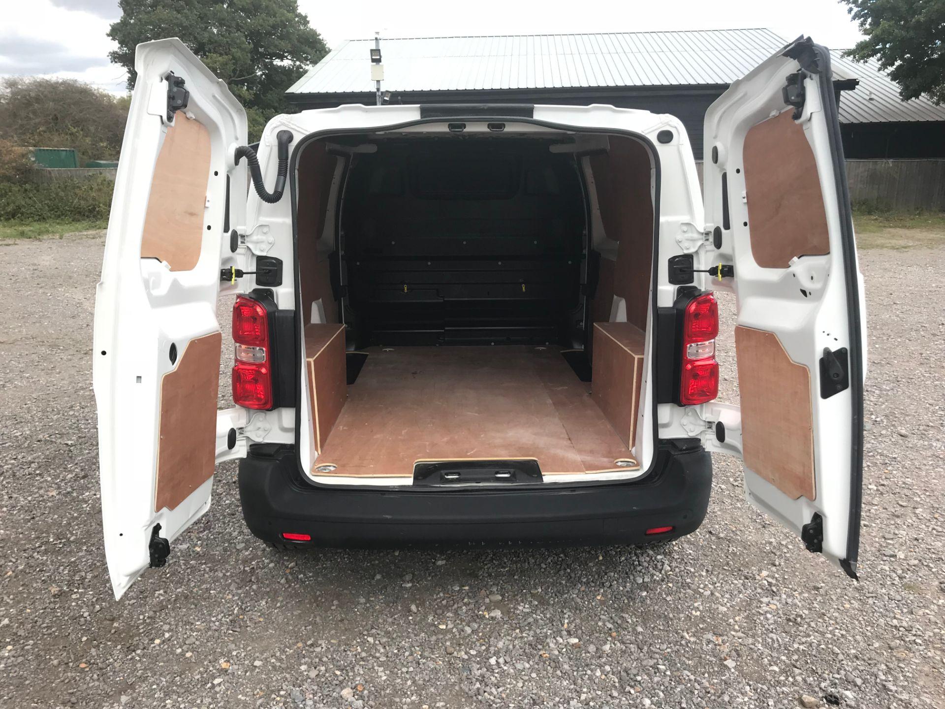 2018 Peugeot Expert 1000 1.6 Bluehdi 95 Professional Van (NU68HBJ) Image 11