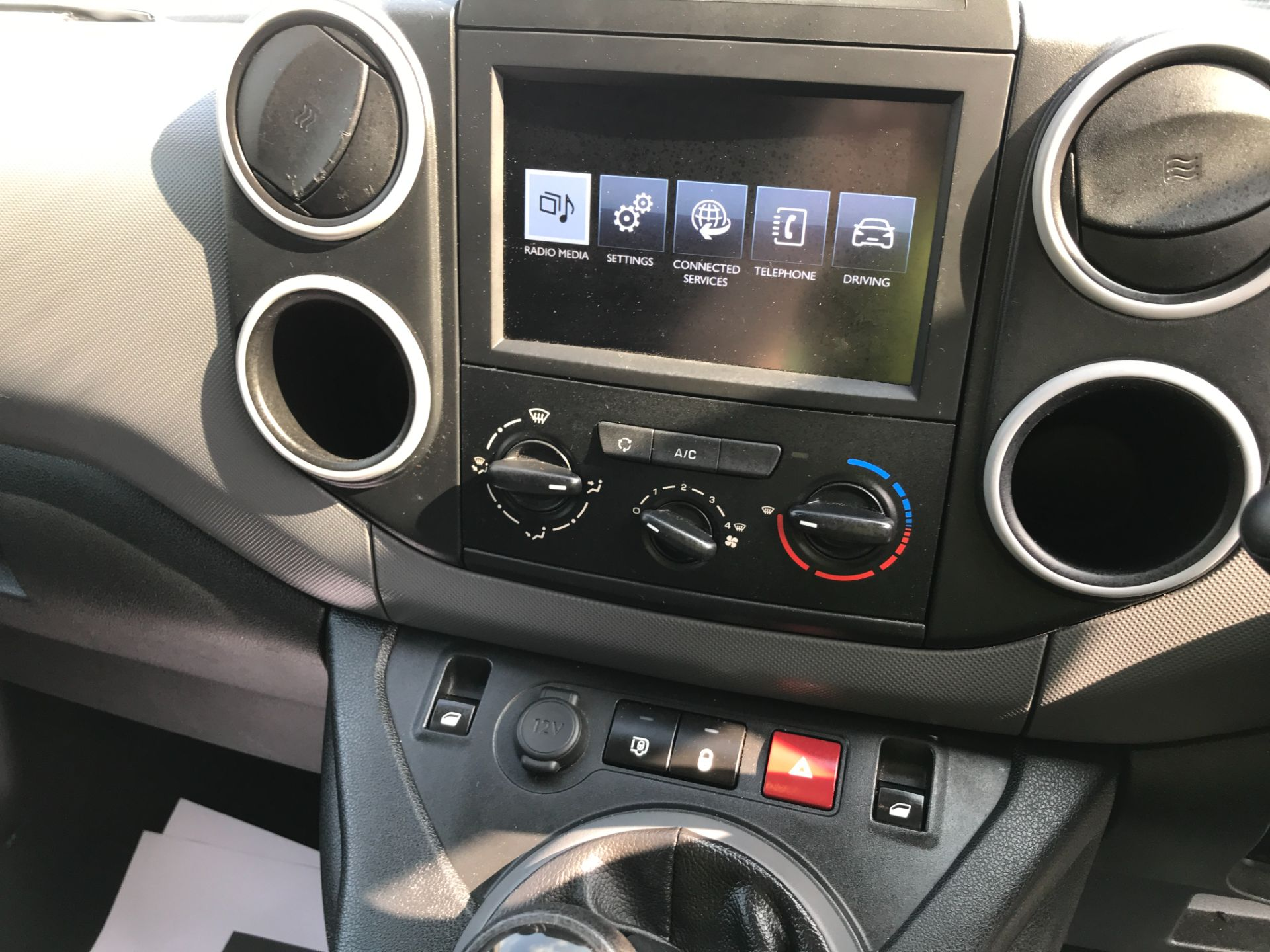 2017 Peugeot Partner L1 850 1.6BLUEHDI 100PS PROFESSIONAL EURO 6 (NV17LSZ) Image 3