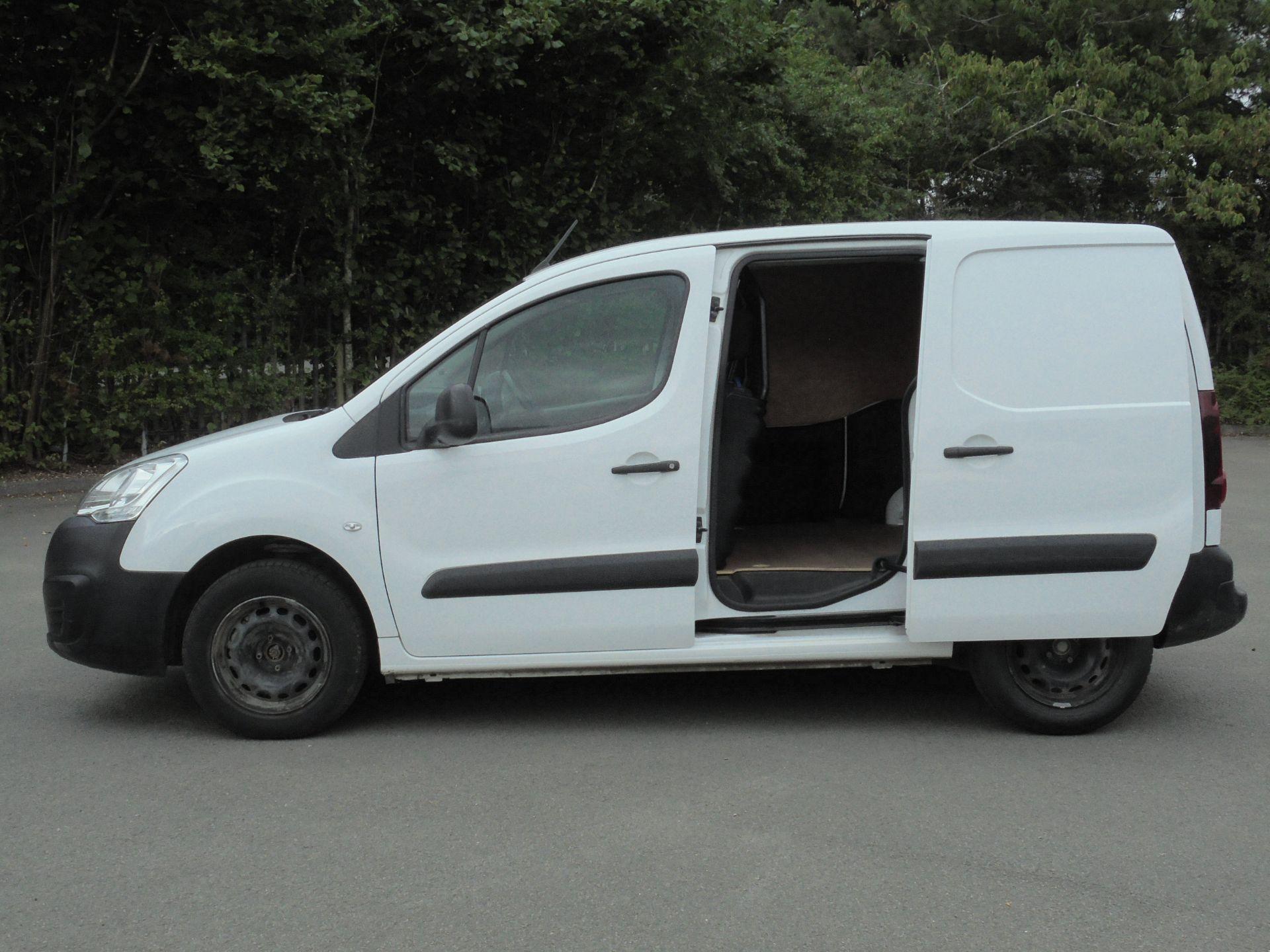 2017 Peugeot Partner 850 1.6 Bluehdi 100 Professional Van [Non Ss] (NV17WHR) Image 6