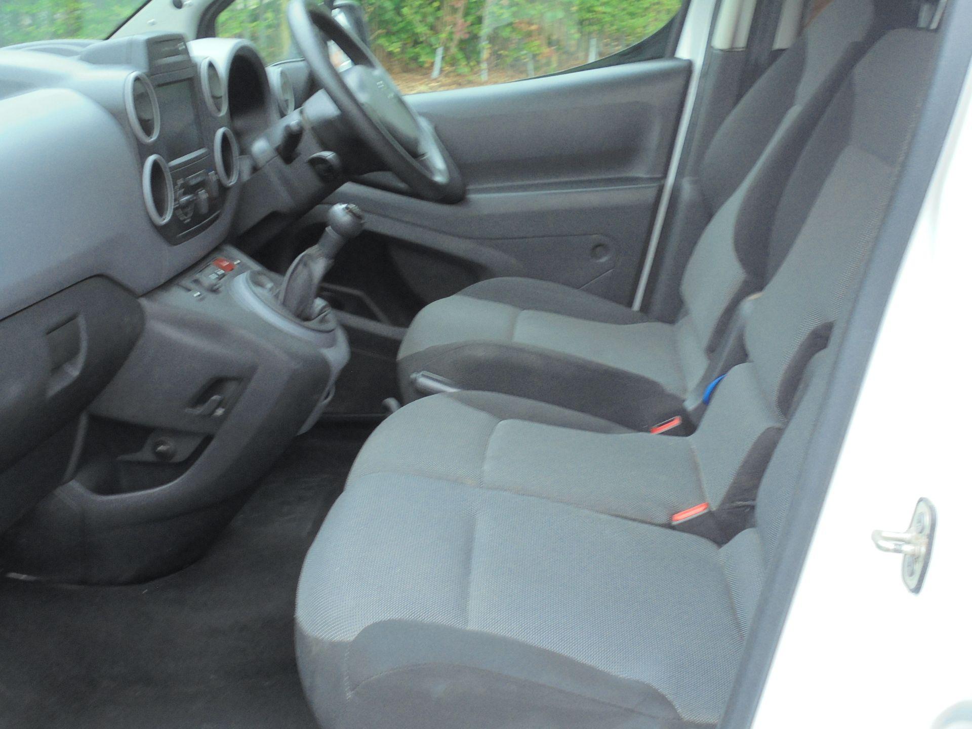 2017 Peugeot Partner 850 1.6 Bluehdi 100 Professional Van [Non Ss] (NV17WHR) Image 5