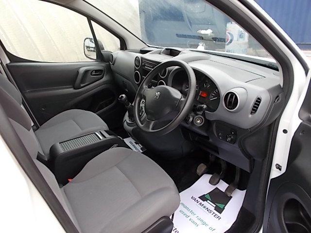 2014 Peugeot Partner L1 850 S 1.6 92PS (SLD) EURO 5 (NV64FDJ) Image 18