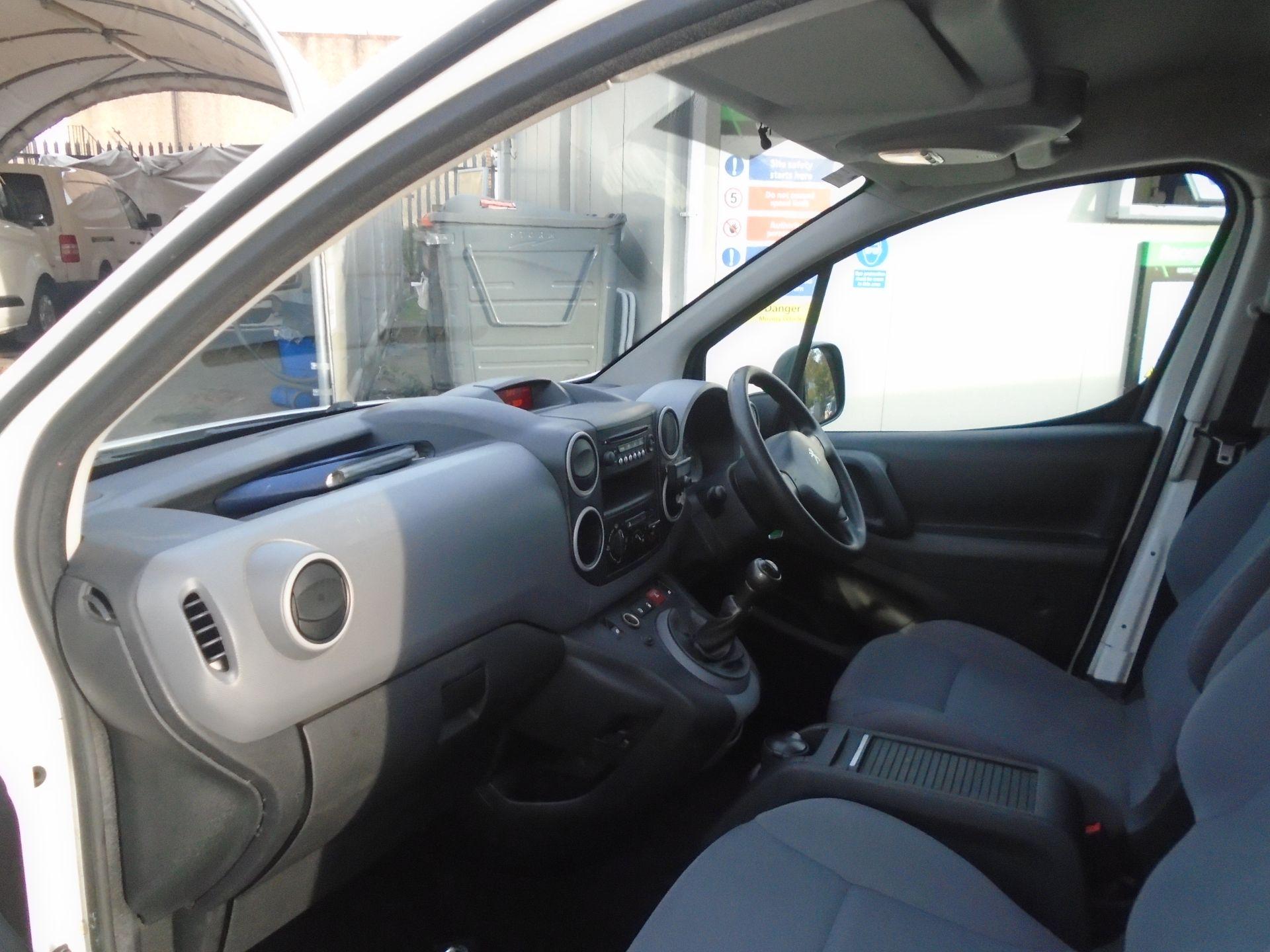 2015 Peugeot Partner 850 S 1.6 Hdi 92 Van [Sld] (NV64ULP) Image 15