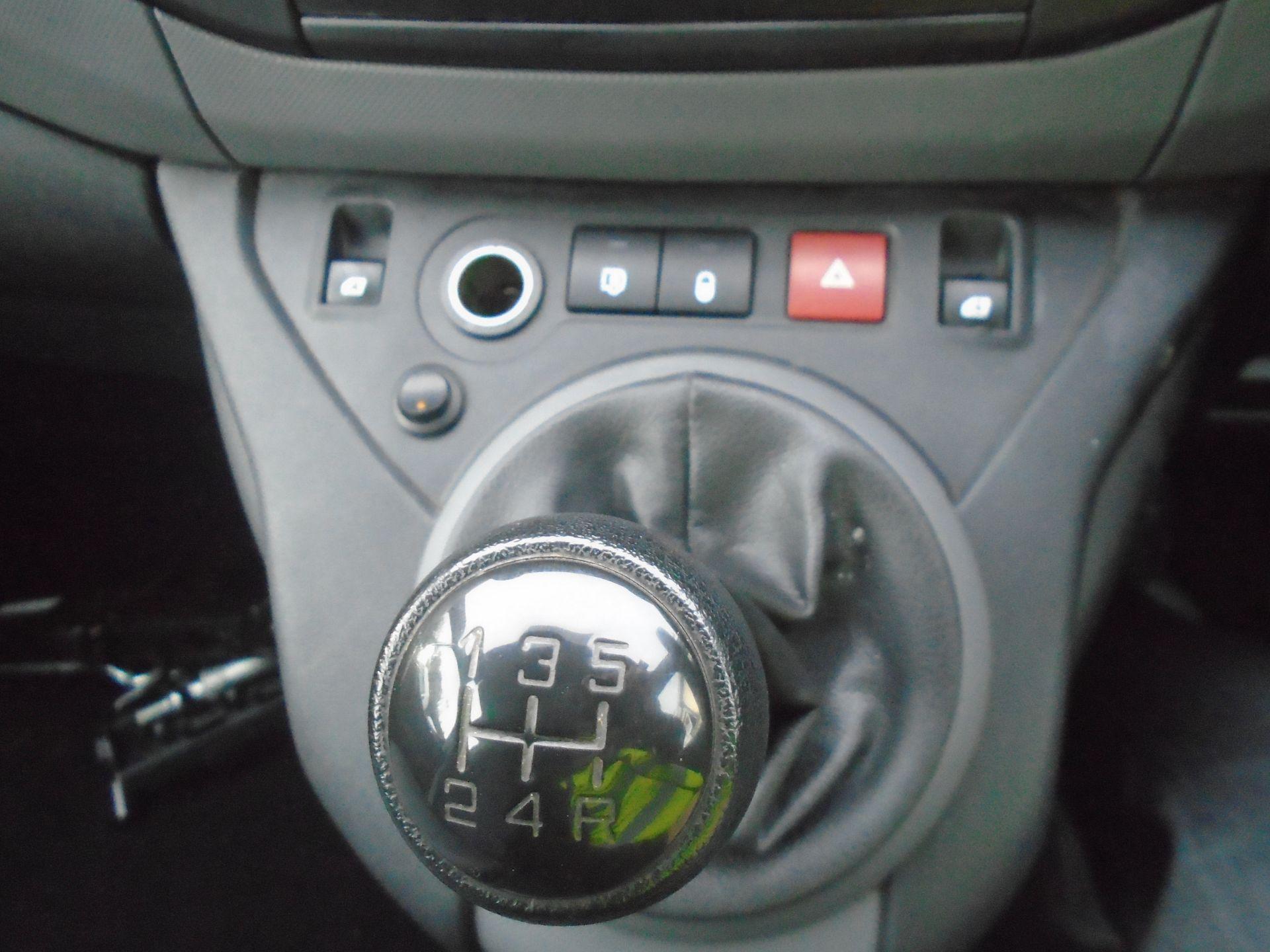 2015 Peugeot Partner 850 S 1.6 Hdi 92 Van [Sld] (NV64ULP) Image 23