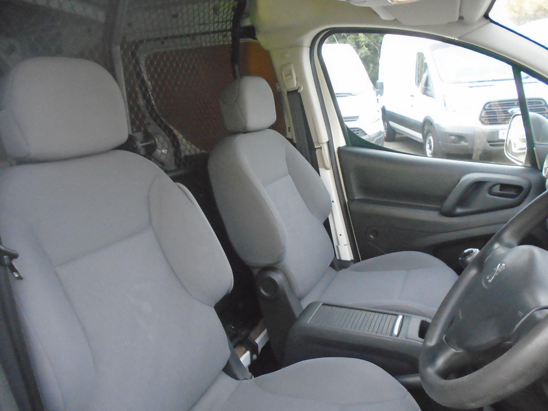 2015 Peugeot Partner 850 S 1.6 Hdi 92 Van [Sld] (NV64ULP) Image 18