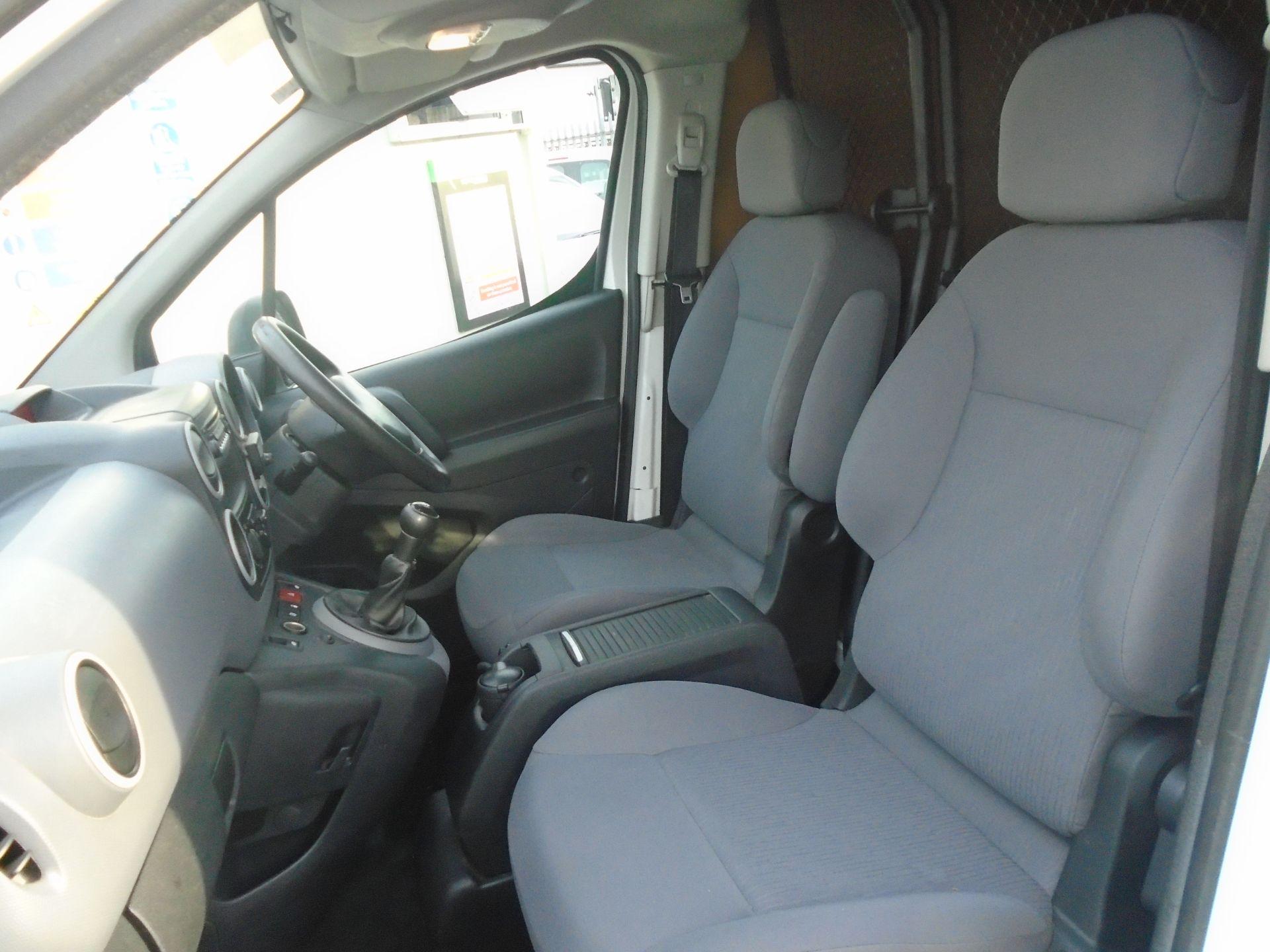 2015 Peugeot Partner 850 S 1.6 Hdi 92 Van [Sld] (NV64ULP) Image 16
