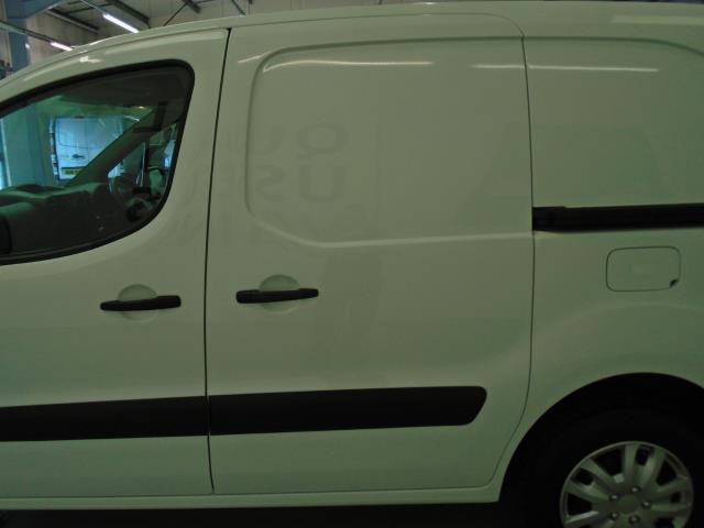 2014 Peugeot Partner L1 850 S 1.6 92PS (SLD) EURO 5 (NX64ZCU) Image 11