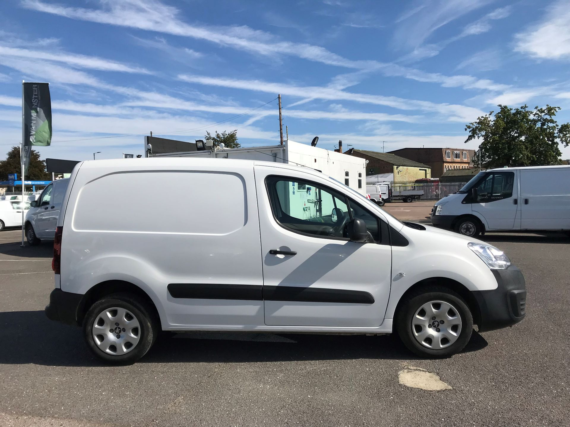 2015 Peugeot Partner  L1 850 1.6 92PS (SLD) EURO 5  (NX65YWY) Image 8