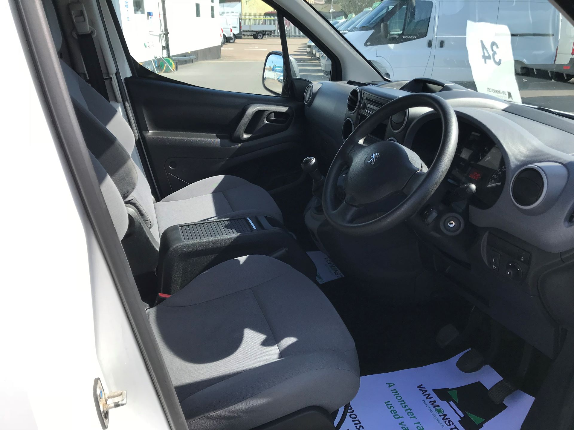 2015 Peugeot Partner  L1 850 1.6 92PS (SLD) EURO 5  (NX65YWY) Image 19