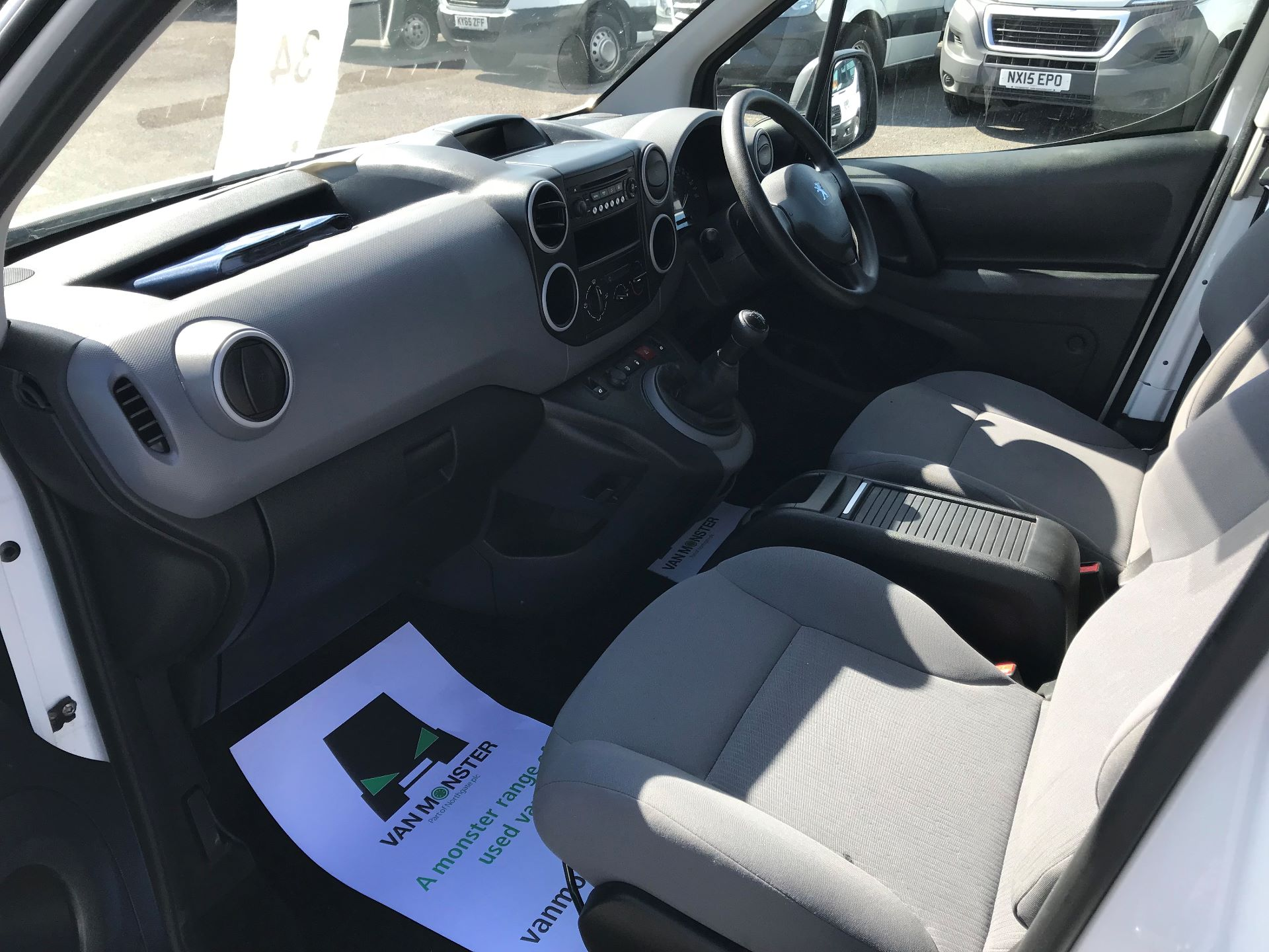 2015 Peugeot Partner  L1 850 1.6 92PS (SLD) EURO 5  (NX65YWY) Image 18