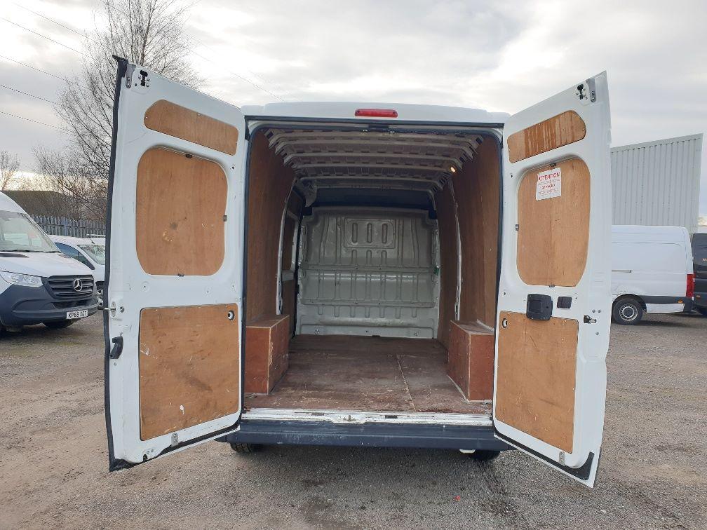 2017 Peugeot Boxer 2.0 Bluehdi H2 Van 130Ps (NX67YVU) Image 11