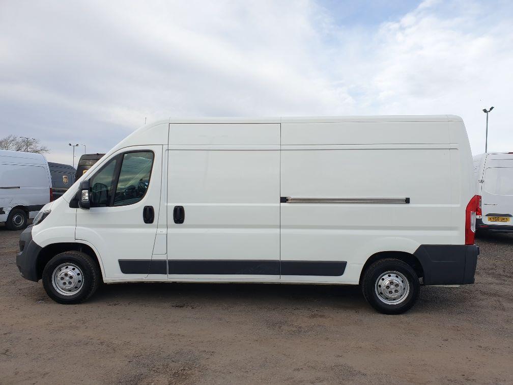 2017 Peugeot Boxer 2.0 Bluehdi H2 Van 130Ps (NX67YVU) Image 4