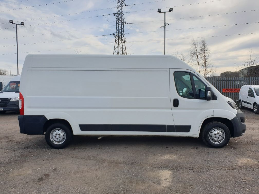 2017 Peugeot Boxer 2.0 Bluehdi H2 Van 130Ps (NX67YVU) Image 13